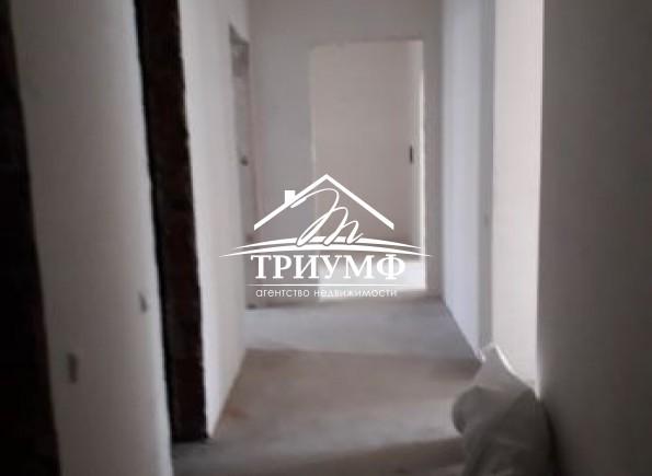 3-комнатная квартира в новом кирпичном доме по