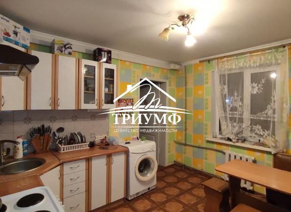 Продается 3-комнатная квартира в кирпичном доме, на 200 лет Херсона