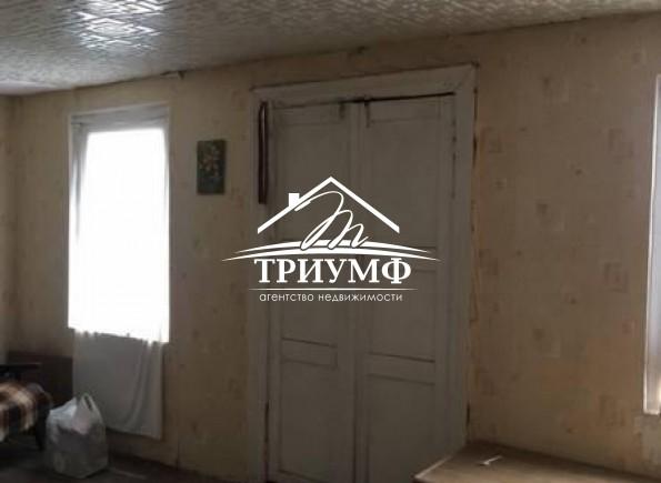 2-комнатная квартира под ремонт по улице Коммунаров!