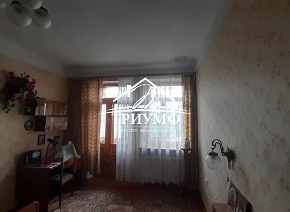 В комнатах с высокими потолками легко дышится!