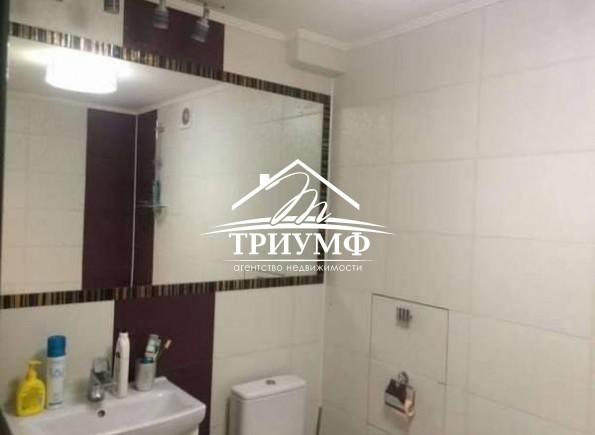1 комнатная квартира с качественным ремонтом на Шуменском!