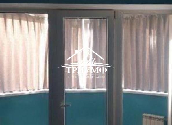 3-комнатная квартира на среднем этаже по проспекту Сенявина!