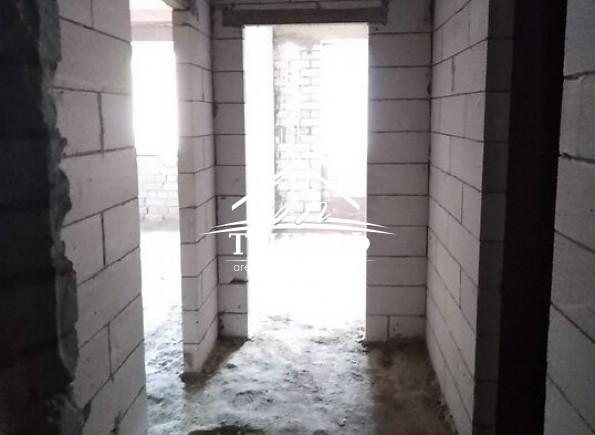 1-комнатная квартира в новострое в районе Жилпоселка