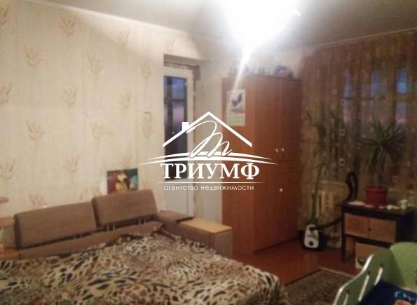 Двухкомнатная квартира с хорошим жилым состоянием в кирпичной свечке на Шуменском!