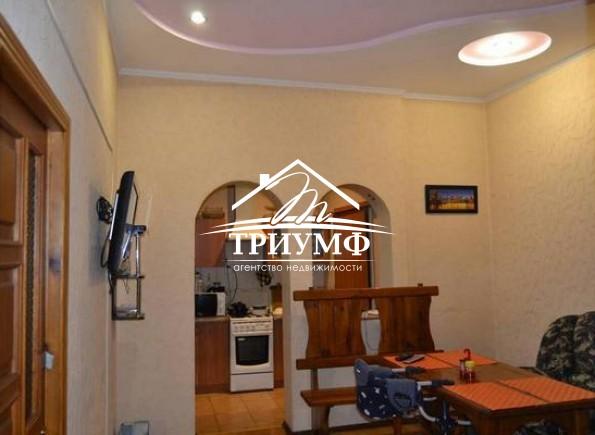 3-комнатная квартира в хорошем состоянии в Центре с автономным отоплением!