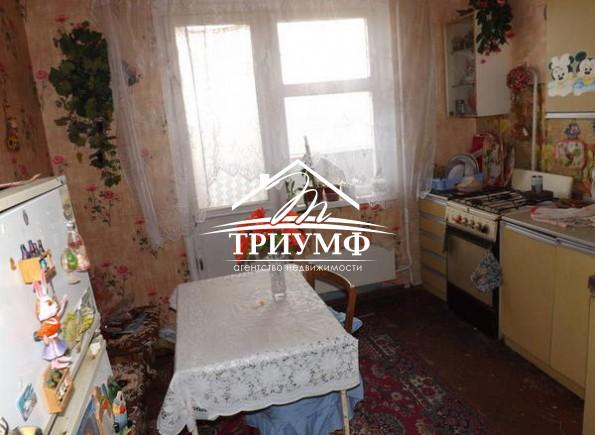 Продается 4 комнатная квартира на 4 Таврическом по проспекту Сенявина