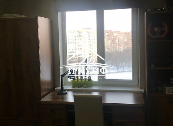 4-комнатная квартира с ремонтом на Таврическом