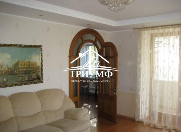3-комнатная квартира в центре по улице Красностуденческая