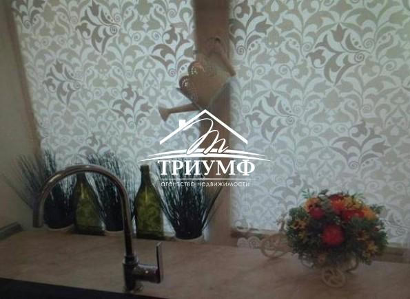 Шикарная 3-комнатная квартира в золотой середине дома в районе Жилпоселок!