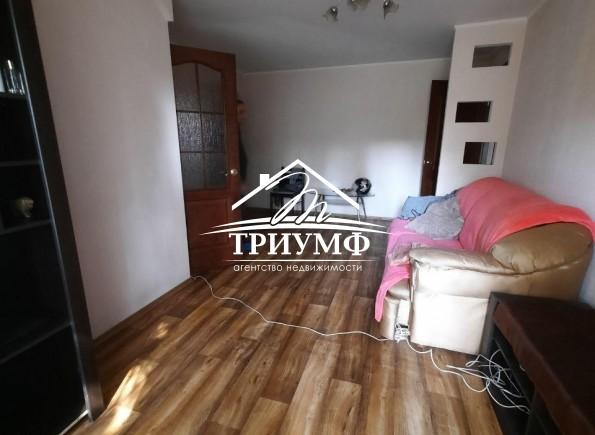 Светлая 2-комнатная квартира по проспекту Ушакова!