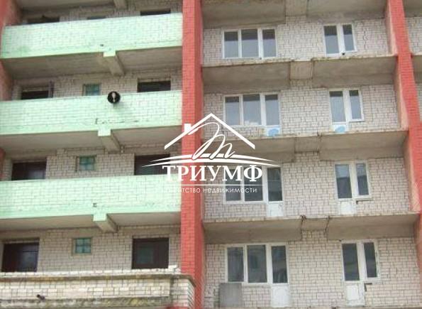 3-комнатная квартира в новострое в районе Таврического