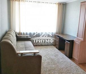В аренду укомплектованную двухкомнатную квартиру на Острове.