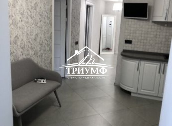 2-комнатная квартира с евроремонтом в районе Таврического