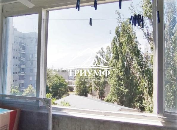 2-комнатная квартира на Острове, средний этаж