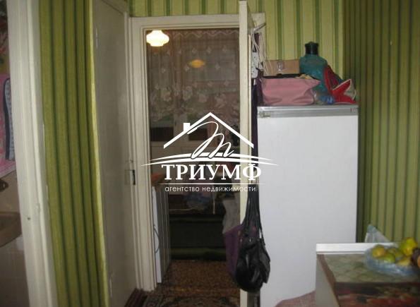 4-х комнатная на Таврическом. ул. 49 гв. Дивизии.