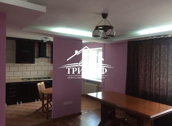 3-комнатная квартира в районе ХБК по Бериславскому шоссе