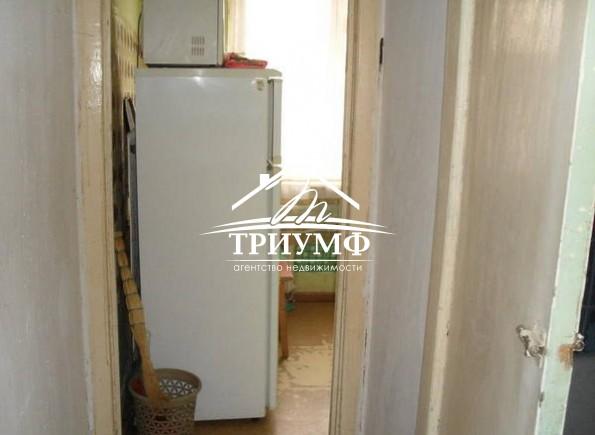 Приобретите 2-комнаты в 3-комнатной квартире по улице Лавренева!