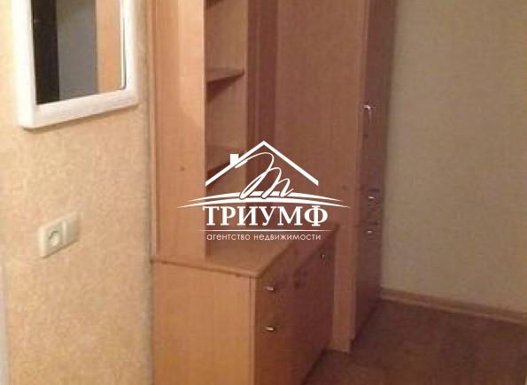 2-комнатная квартира в золотой середине дома по проспекту Ушакова!