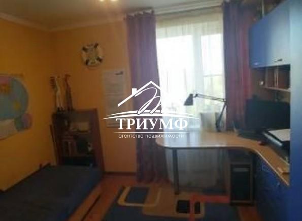 Отличная 4-комнатная квартира по улице Молодежная!
