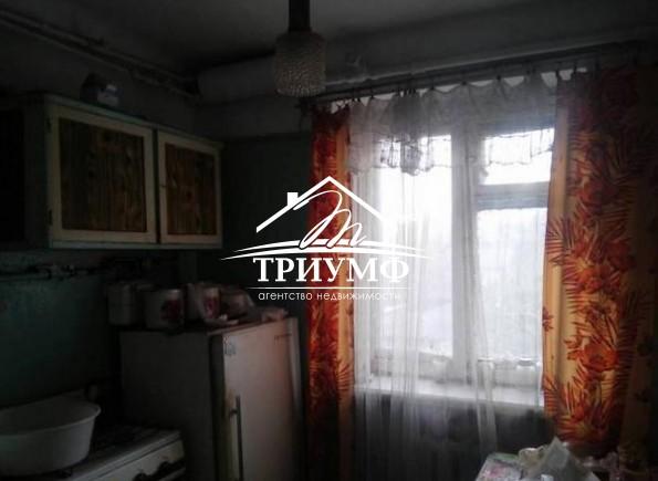 Двухкомнатная квартира под ремонт по проспекту Ушакова!