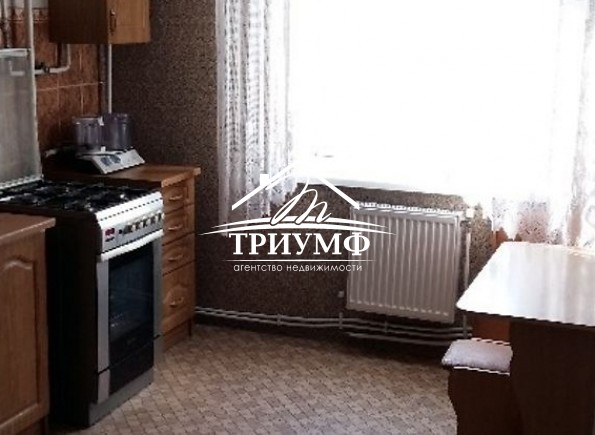 3-комнатная квартира на 2-м этаже по улице Блюхера!