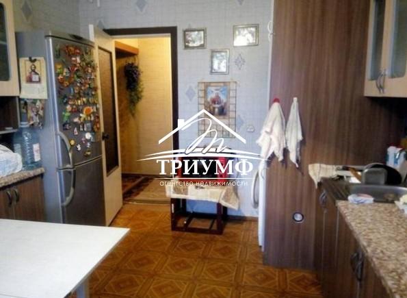 Просторная 4-комнатная квартира по улице Блюхера!