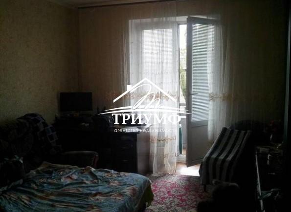 2хкомнатная квартира в обкомовском доме рядом с площадью Свободы
