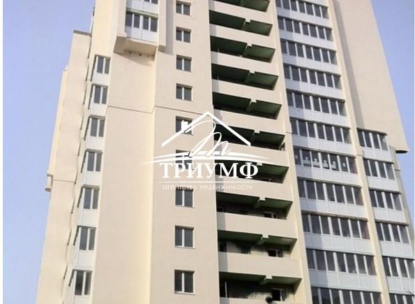 Продам 3-комнатную квартиру в новострое в районе Таврического