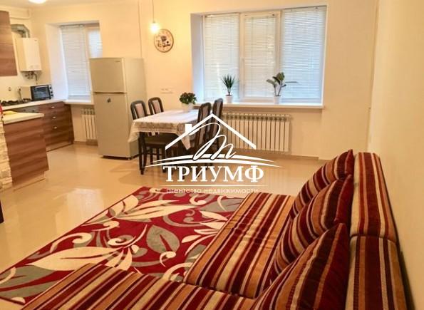 2-комнатная квартира с евроремонтом в Центре