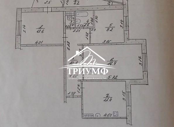 3-комнатная квартира в районе Таврического в тихом месте
