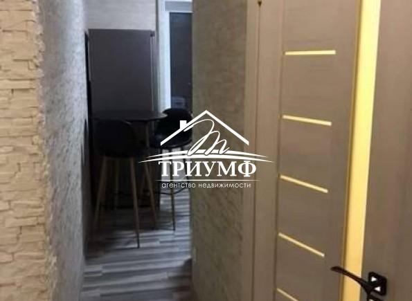1 комнатная квартира с новым ремонтом на Жилпоселке!