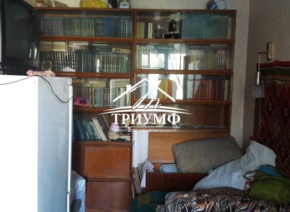 3-комнатная квартира в жилом состоянии на Жилпоселке!