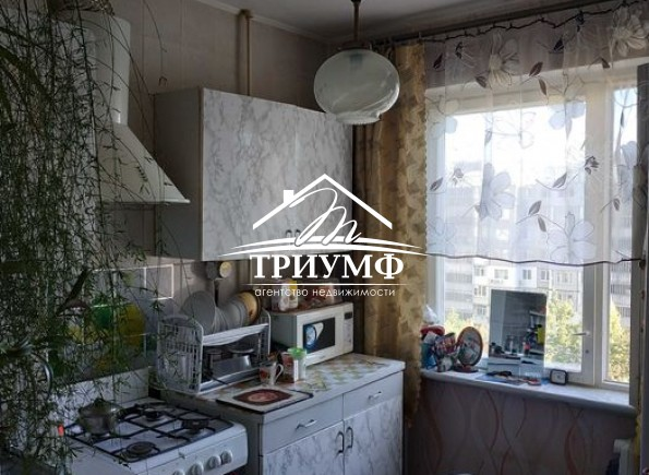 Двухкомнатная квартира на Таврическом в районе Северного рынка!