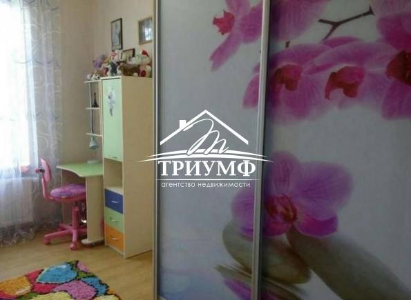4хкомнатная квартира с автономным отоплением, всей  мебелью и техникой на  ХБК по улице Перекопская