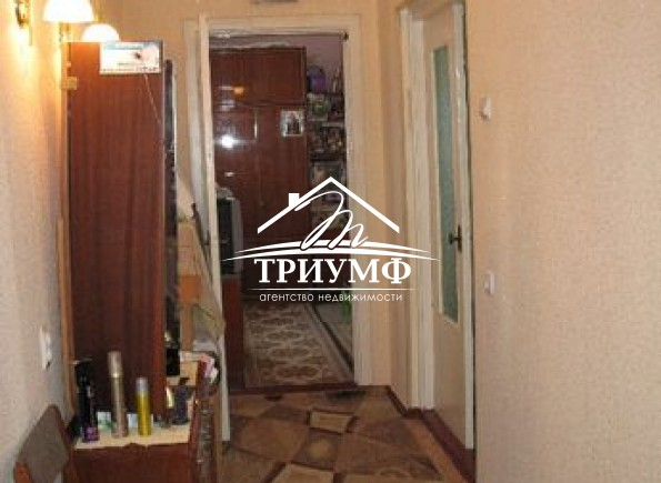 4-х комнатная квартира с автономным отоплением по проспекту Сенявина
