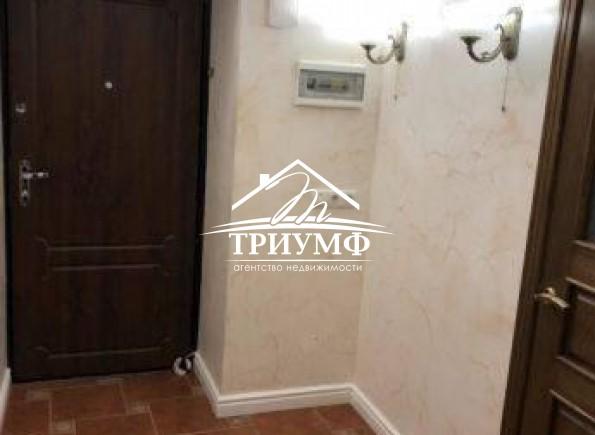 1-комнатная квартира площадью 42 кв.м. в Цеентре города!