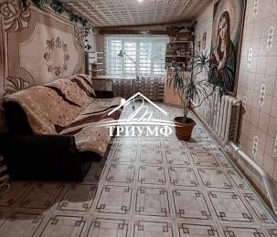 Уютный просторный дом с участком!!