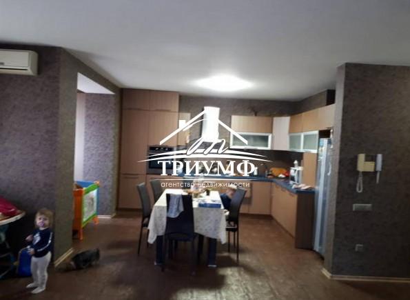 2-комнатная квартира в кирпичном новом доме в Центре города!